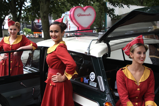Vintage fashion at Goodwood Revival - the Glamcabs Girls