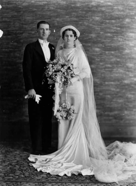 1930s Photos Wedding Fashion History - Old Photographs of ...