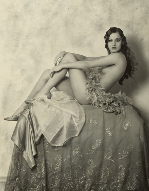 Nude_Ziegfeld_Follies_girl_Alice_Wilkie.JPG