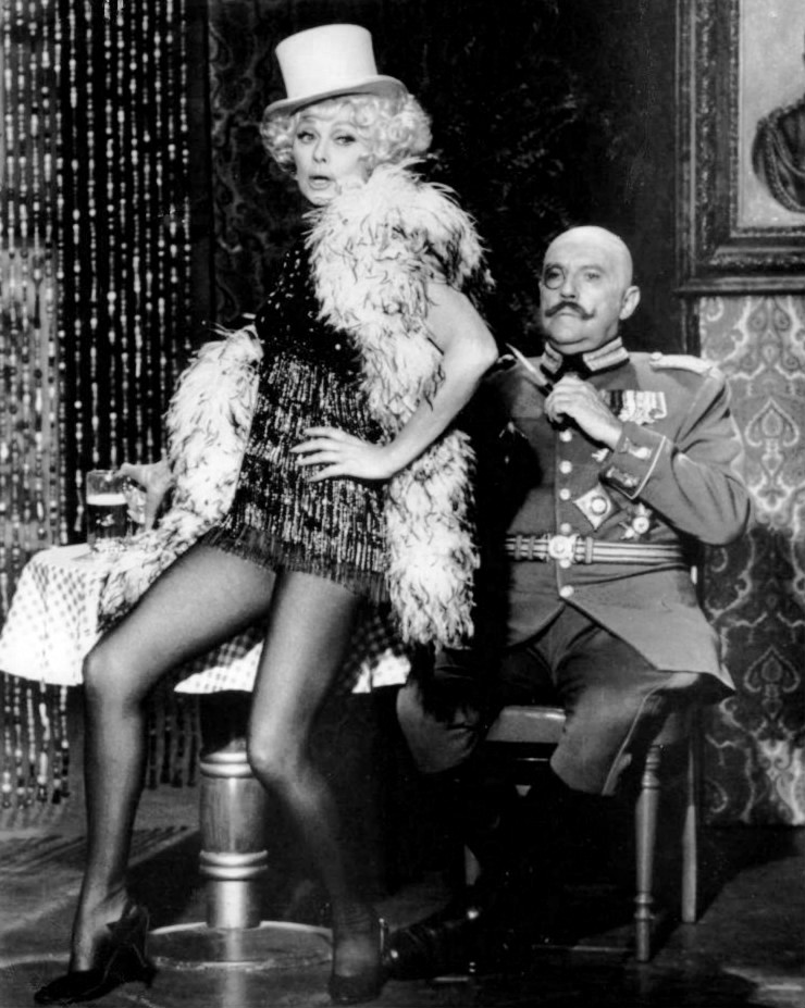Baking With Marlene Dietrich Here S Her Easy Chocolate Cake