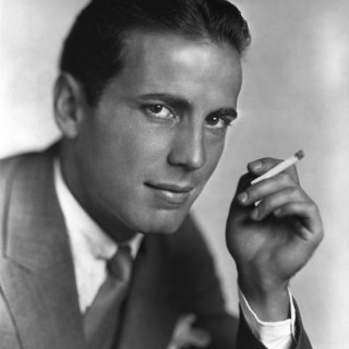 A young and handsome Humphrey Bogart
