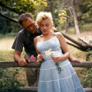 Marilyn Monroe and Arthur Miller looking relaxed