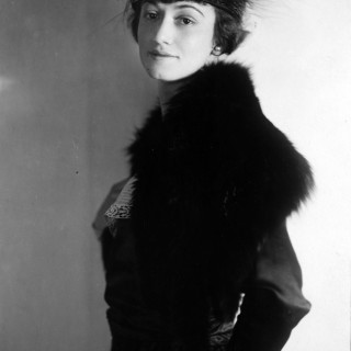 1920s studio portrait of Helen Wallace in a strange fur hat