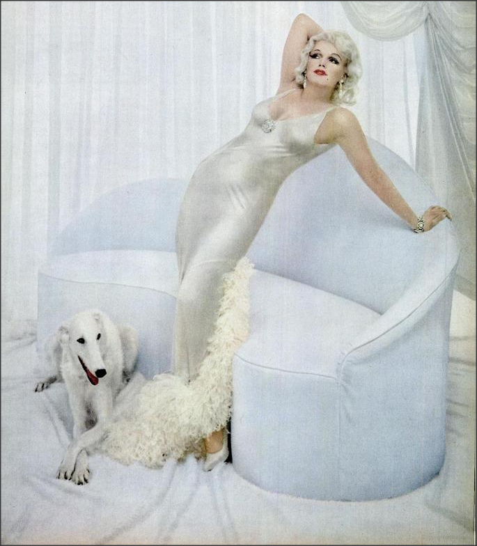 Marilyn Monroe dressed up as Jean Harlow