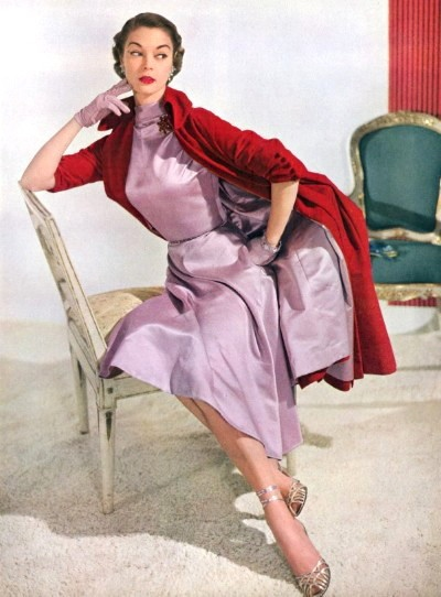 Jean_Patchett_in_1950s_Vogue.JPG