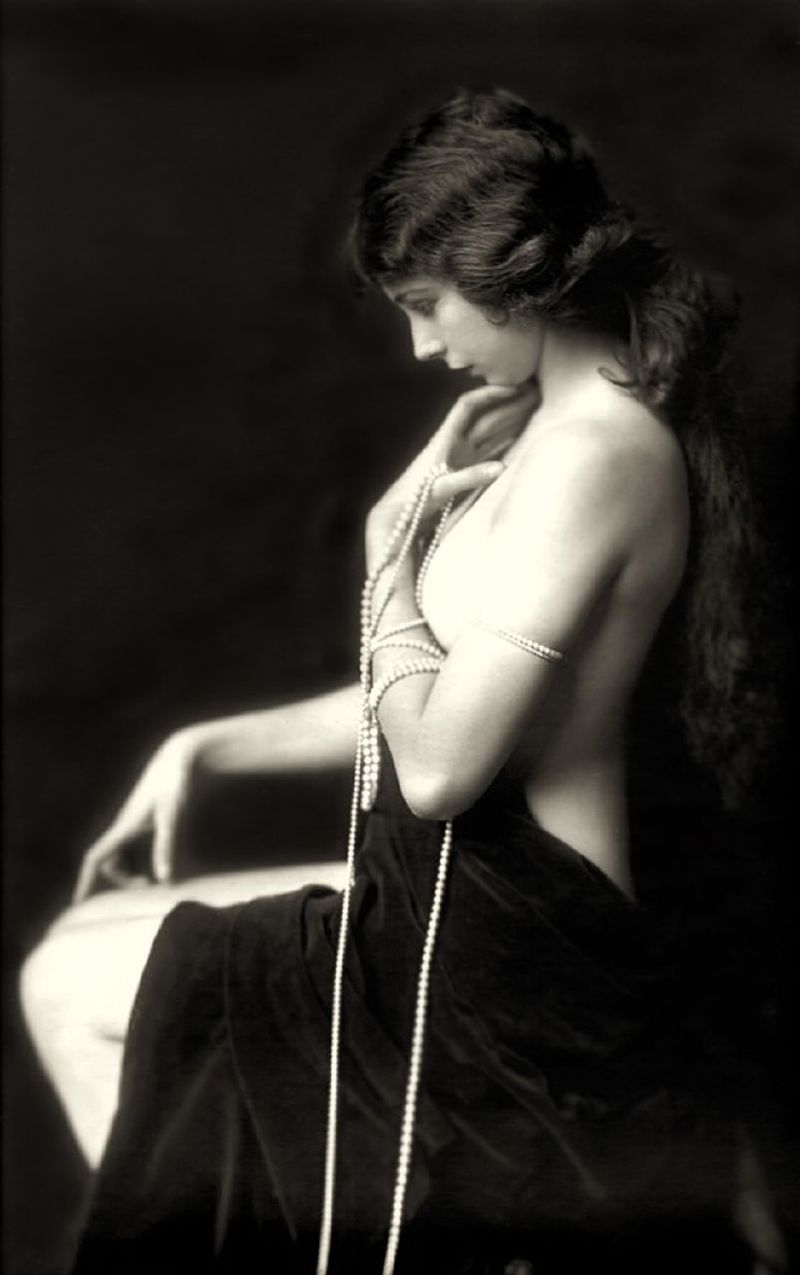 Ziegfeld girl by Alfred Cheney Johnston
