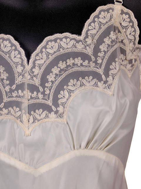 Vintage Full Slip Dupont Nylon Satin Scalloped Lace 1950s