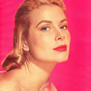 Winged Eyeliner and Statement Brows: 1950s Makeup Tips