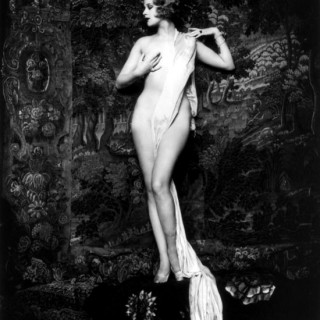 16 Stunning Photos of 1920s Ziegfeld Girls