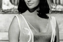 Fashion Inspiration: Liz Taylor as Cleopatra