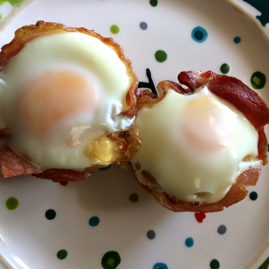 Bacon and Egg Cupcakes | We Heart Vintage blog: retro fashion, cinema ...