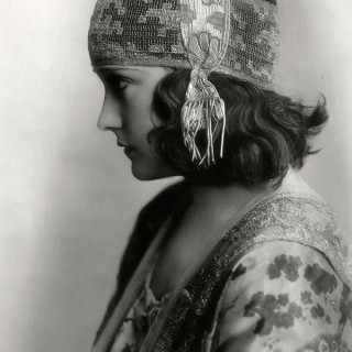 How Did Edwardian Ladies become Frivolous Flappers in Just 1 Decade?
